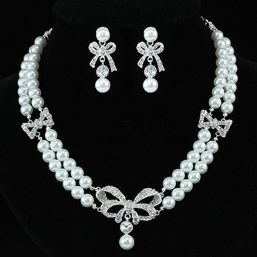 Ezüsttel bevont masnis esküvői/alkalmi ékszerszett gyöngyös, ausztriai kristályos díszítéssel  + AJÁNDÉK DÍSZDOBOZ (1492.)