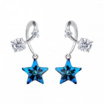 Platinával bevont függő csillagos fülbevaló színjátszó kék Swarovski kristályokkal + AJÁNDÉK DÍSZDOBOZ (0626.)