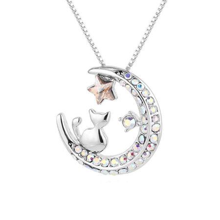 Platinával bevont holdon ülő cica nyaklánc színjátszó Swarovski kristályokkal + AJÁNDÉK DÍSZDOBOZ (0529.)
