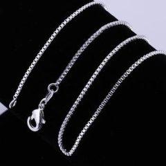 Ezüsttel bevont lánc (2 mm)  + AJÁNDÉK DÍSZTASAK (1164.)