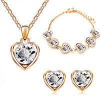 Arannyal bevont 3 részes szív ékszerszett, áttetsző ausztriai kristályokkal + AJÁNDÉK DÍSZDOBOZ (0606.)