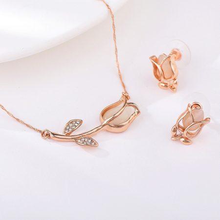 Rózsaarannyal bevont tulipán ékszerszett egyedi kristályokkal + AJÁNDÉK DÍSZDOBOZ (0873.)