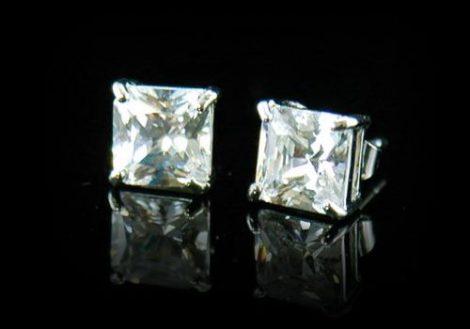 Fehérarannyal bevont férfi fülbevaló szimulált gyémánttal ( 6 mm-es ) + AJÁNDÉK DÍSZDOBOZ (1519.)