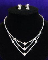 Egyedi kristályokkal díszített 3 soros alkalmi ékszerszett ezüst bevonattal + AJÁNDÉK DÍSZDOBOZ (0275.)