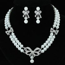 Ezüsttel bevont masnis esküvői/alkalmi ékszerszett törtfehér gyöngyökkel, ausztriai kristályos díszítéssel + AJÁNDÉK DÍSZDOBOZ (1492.)