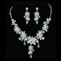 Ezüsttel bevont virágos esküvői/alkalmi ékszerszett Swarovski kristályos díszítéssel + AJÁNDÉK DÍSZDOBOZ (1484.)