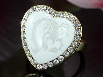 18k arannyal bevont szív gyűrű skorpió mintával, ausztriai kristályokkal #7  + AJÁNDÉK DÍSZDOBOZ (0662.)