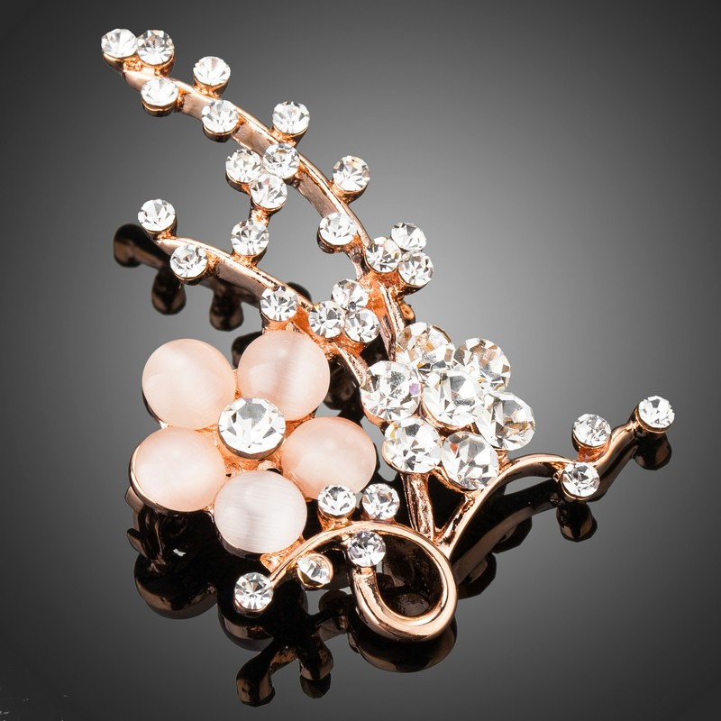 Rózsaarannyal bevont virágos ág bross macskaszem opálokkal, stellux ausztriai kristályokkal (0560.)